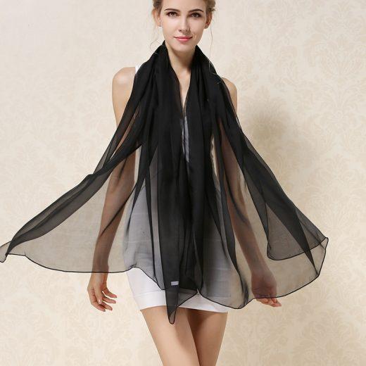 Elegantný veľký dámsky hodvábny šál v čiernej farbe