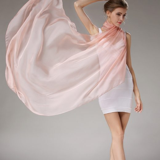 Elegantný veľký dámsky hodvábny šál v béžovej farbe