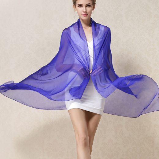 Elegantný veľký dámsky hodvábny šál v modrej farbe