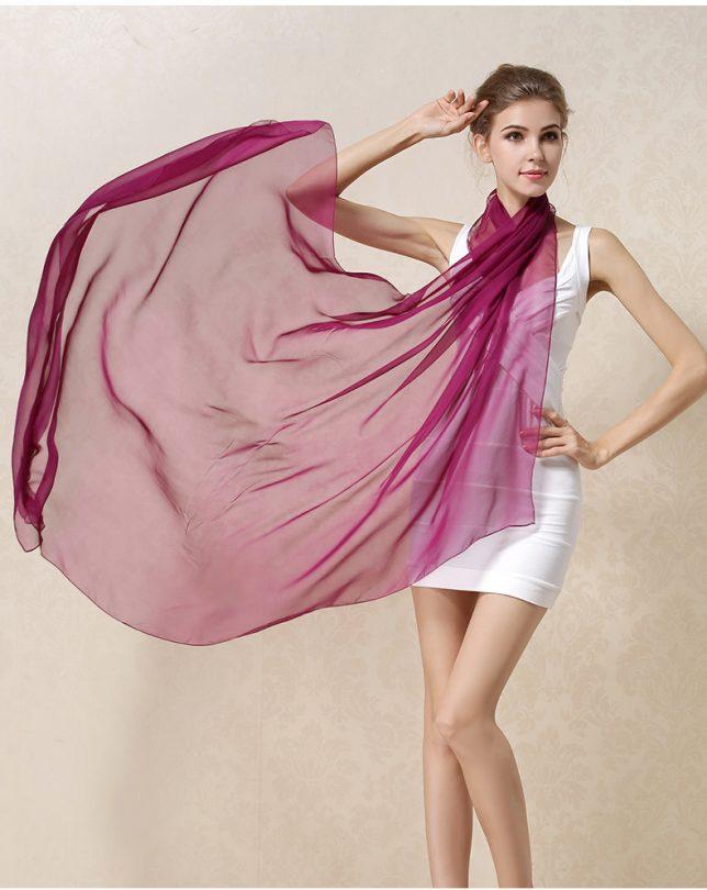 Elegantný veľký dámsky hodvábny šál v bordovej farbe
