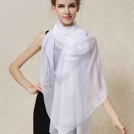 Elegantný veľký dámsky hodvábny šál v bielej farbe