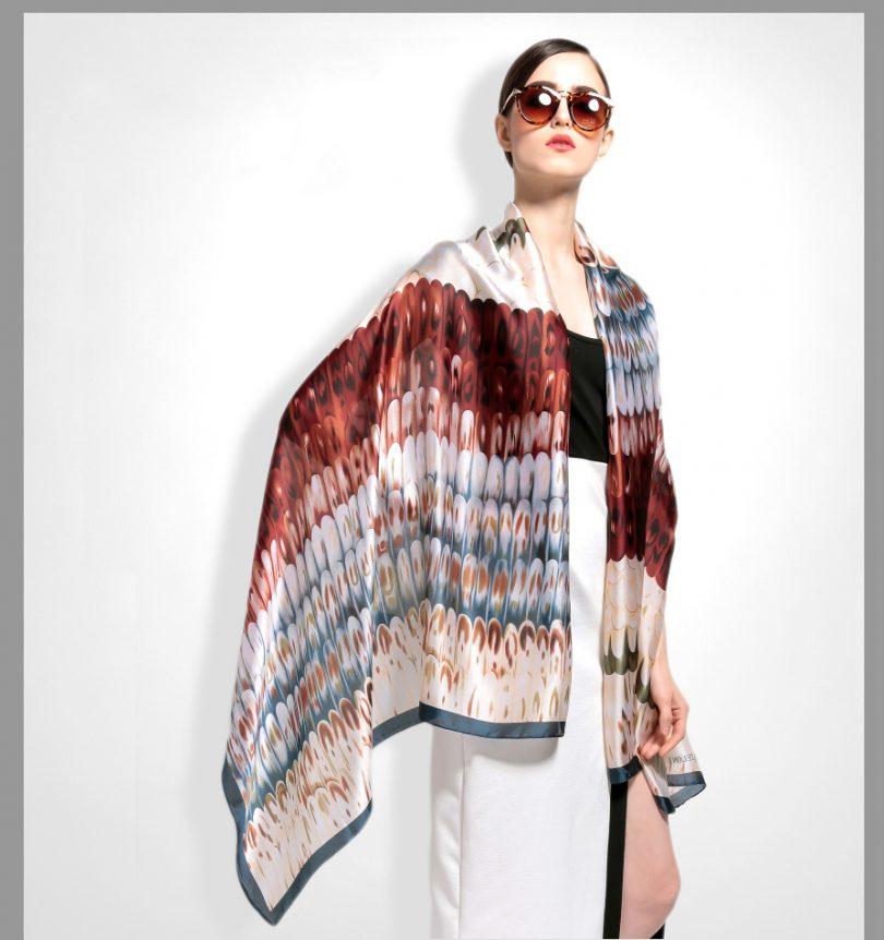 Hodvábny šál s moderným vzormi zo 100% hodvábu 180 x 86 cm