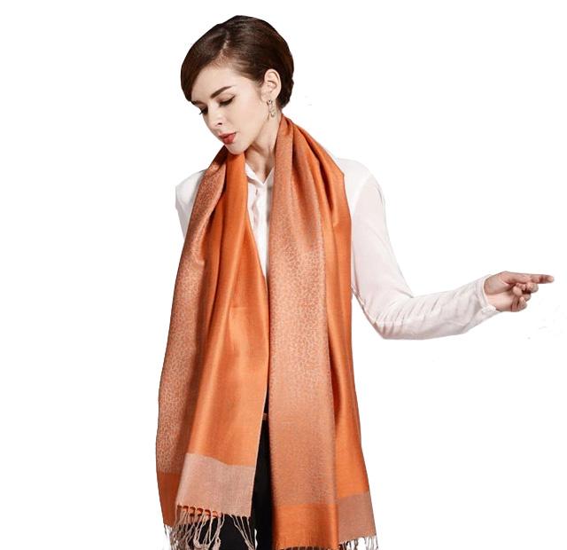 fe6d66cd640 Luxusný ručne tkaný kašmírový šál s prímesou hodvábu pomarančový