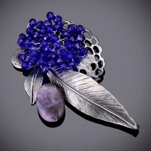 Umelecká ručne brúsená a leptaná brošňa - modré zátišie