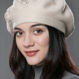 Dámska baretka z kašmíru a bavlny so vzorom