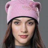 Dámska čiapka z bavlny a kašmíru so vzorom