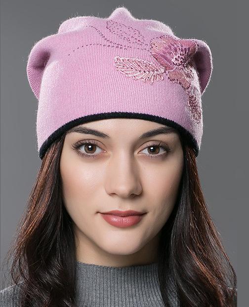 054457990 Dámska čiapka z bavlny a kašmíru so vzorom