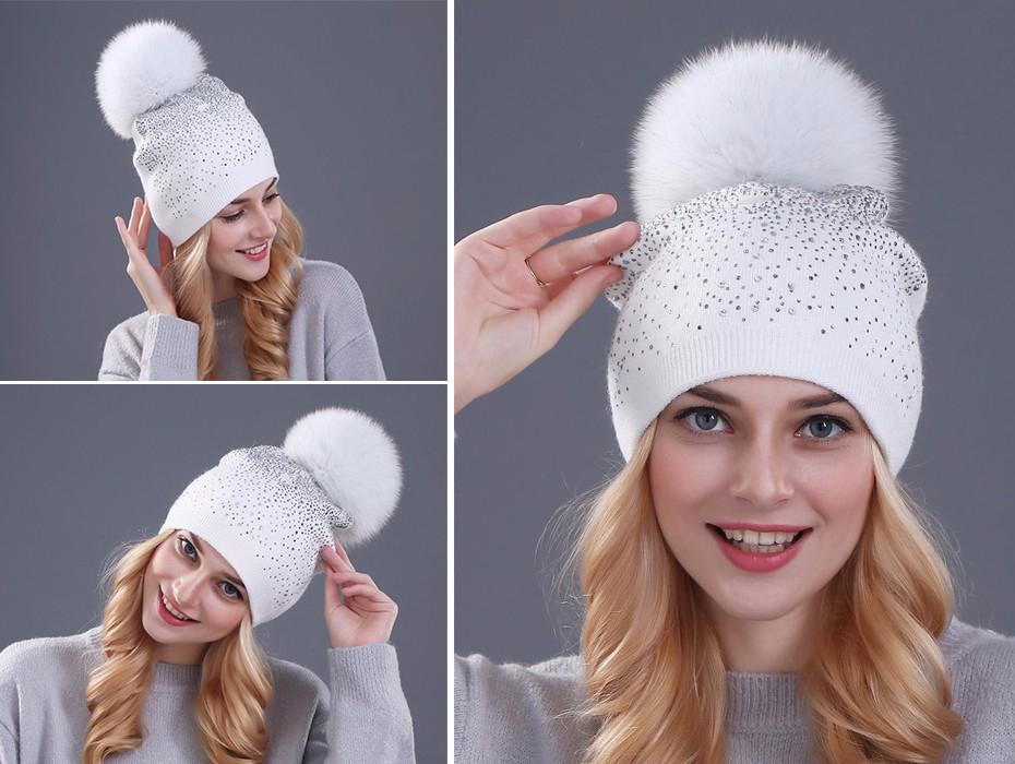 0621f77ef Dámska čiapka z bavlny s brmbolcom v rôznych farbách