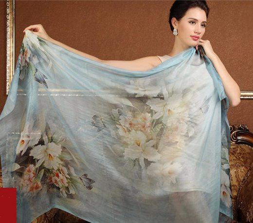 Luxusný veľký hodvábny šál v svetlo modrej farbe