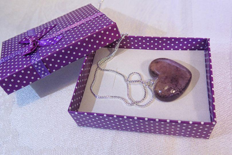 Náhrdelník Tessie - ručná výroba na Slovensku - Purple heart
