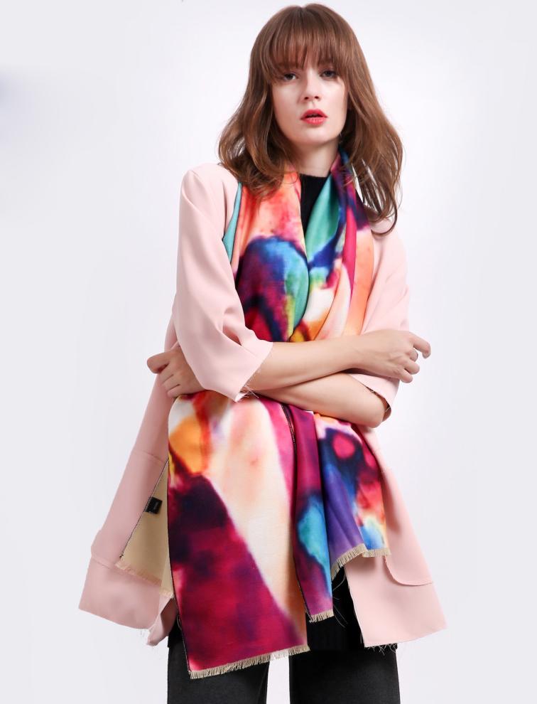 Kvalitný ručne tkaný kašmírový šál v pestrých farbách - krémový