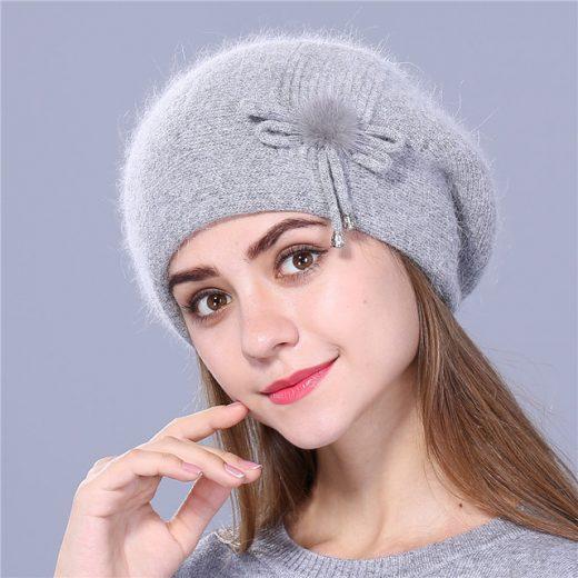 Luxusná dámska baretka s mašličkou v rôznych farbách