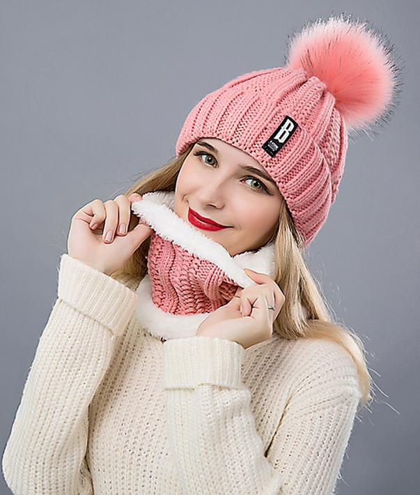 a41111d15 Dámska vlnená čiapka s brmbolcom + šál, v rôznych farbách