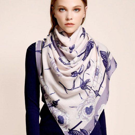 Elegantný vlnený šál s kvetinovým vzorom - 185 x 65 cm