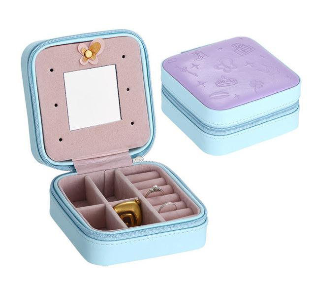 Malá dámska šperkovnica, kufrík na drogériu v koži