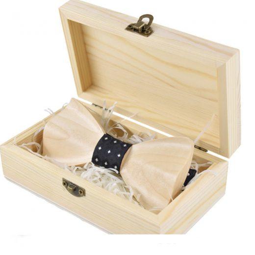 Elegantný drevený motýlik v dvoch farebných prevedeniach s krabičkou
