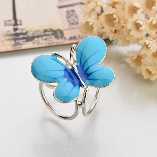 Prekrásny trojprstenec v tvare motýľa v dvoch rôznych farbách