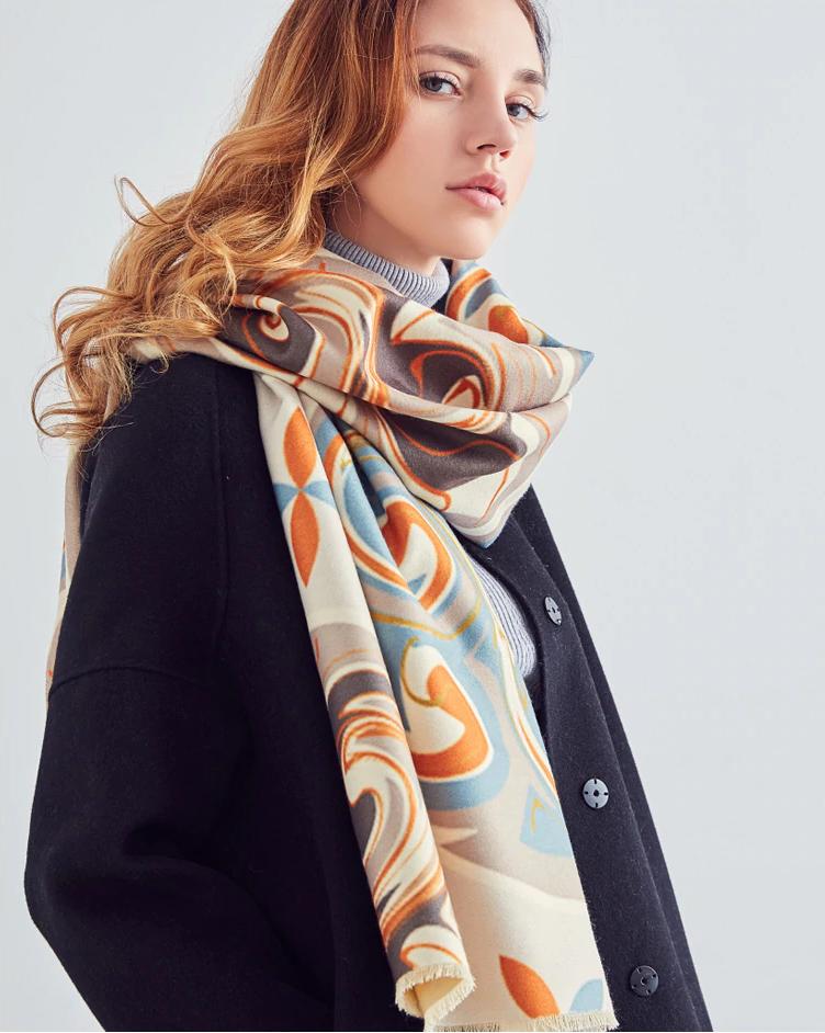 Kvalitný ručne tkaný kašmírový šál s moderným vzorom