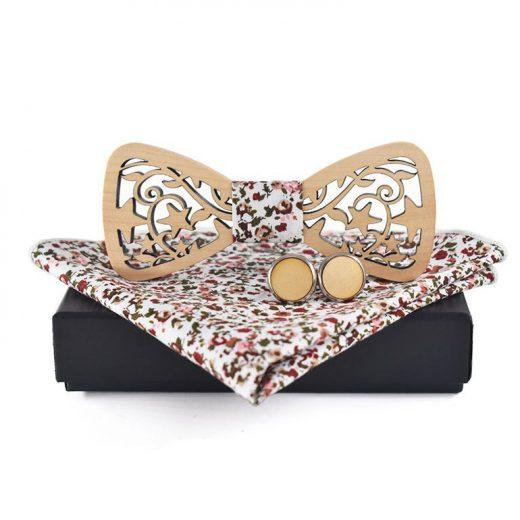 Svetlý drevený motýlik vo viac farbách + manžety + vreckovka