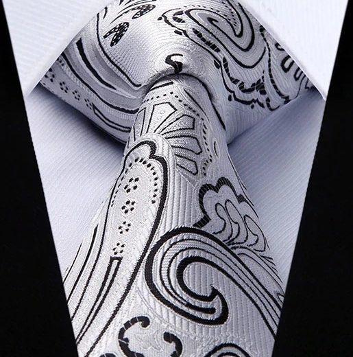 Hodvábna kravatová sada - kravata a vreckovka so vzorom v sivej farbe