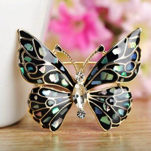 Jedinečná brošňa zo smaltu v tvare motýľa v čiernej farbe