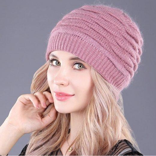 Kvalitná dámska čiapka z bavlny vo viacerých farbách