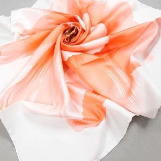 03658ce956b1 Luxusná hodvábna šatka s veľkým kvetom - pomarančový