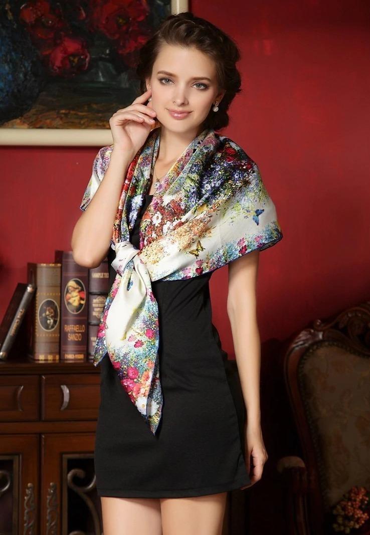 Vysoko kvalitná hodvábna šatka s motýľmi a kvetmi 110 x 110 cm