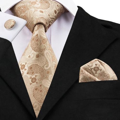 Hodvábna kravatová sada - kravata + manžety + vreckovka so svetlo hnedým vzorom