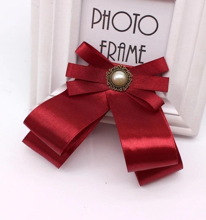 Luxusná brošňa na šaty v tvare mašle so šperkom vo viac farbách
