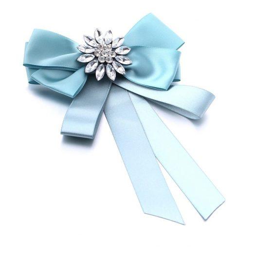 Luxusná brošňa v tvare mašle so šperkom vo viac farbách