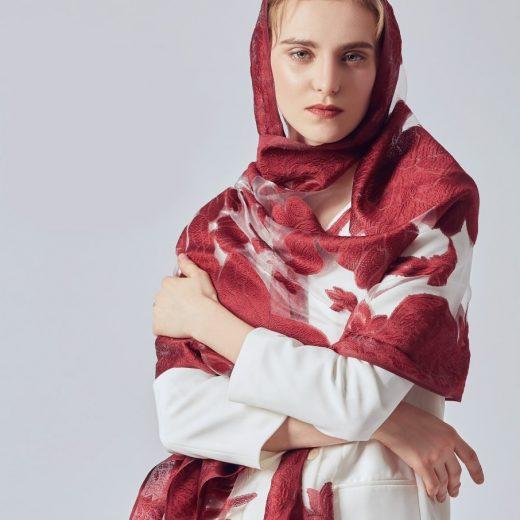 Luxusný šál z umelého hodvábu s vyšívaným vzorom 170 x 70 cm