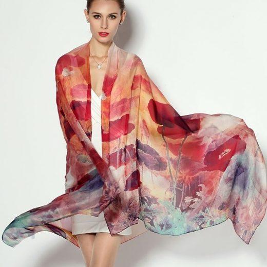 Veľký elegantný šál zo 100% hodvábu s červenými kvetinami