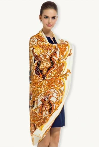 Luxusná hodvábna šatka s orientálnym vzorom, 130 x 130 cm