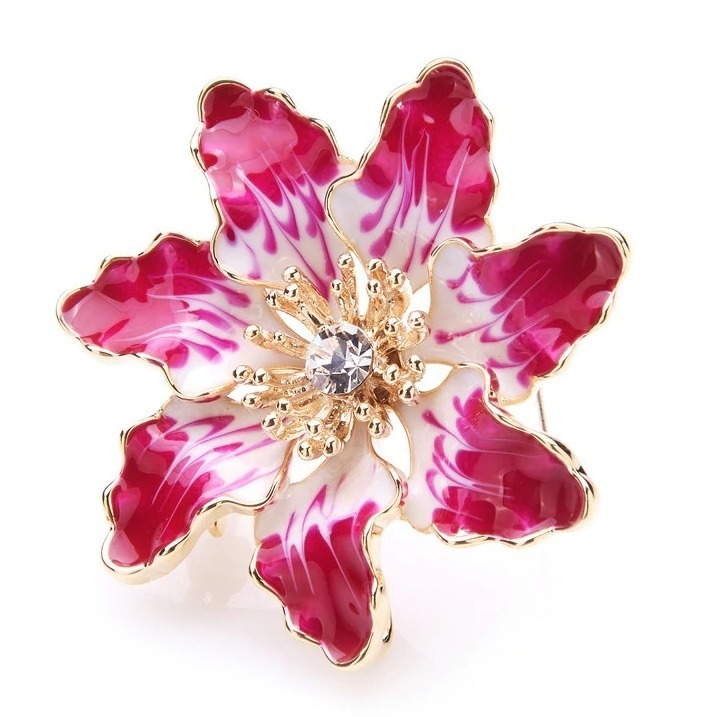 Elegantná smaltovaná brošňa prívesok v tvare nádhernej kvetiny