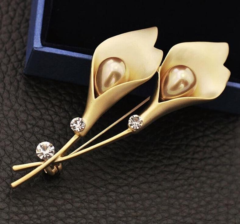 Elegantná brošňa v tvare tulipánov s perlami - zlatá a strieborná
