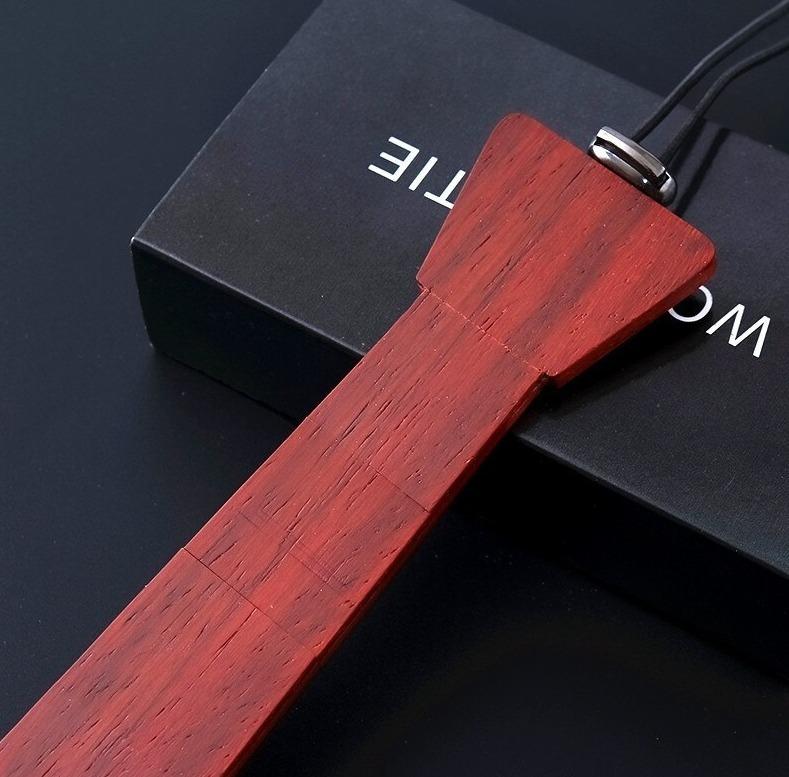 Drevená pánska kravata z čerešňového prírodného dreva