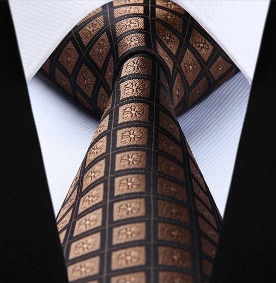 Hodvábna kravata a vreckovka - sada s hnedými štvorčekmi