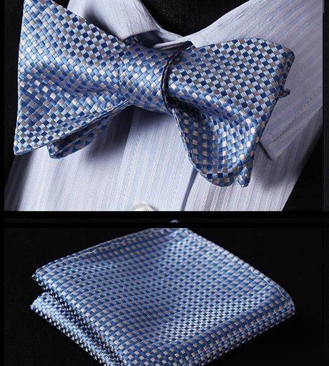 Kvalitný hodvábny set - motýlik a vreckovka s modro-strieborným vzorom