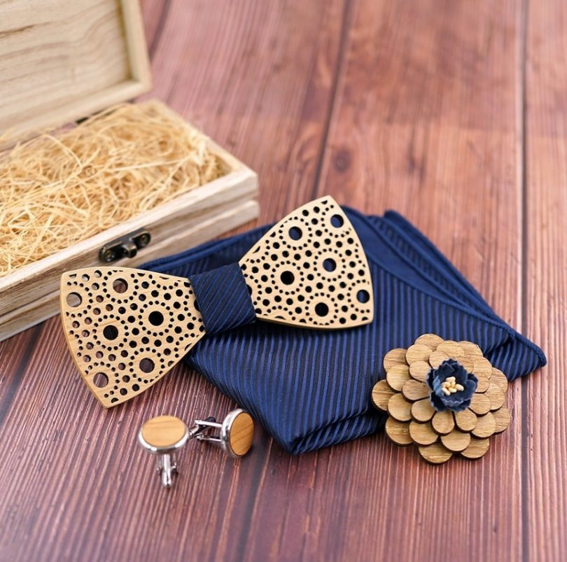 Reliéfny motýlikový set čipka - motýlik + manžety + vreckovka + brošňa