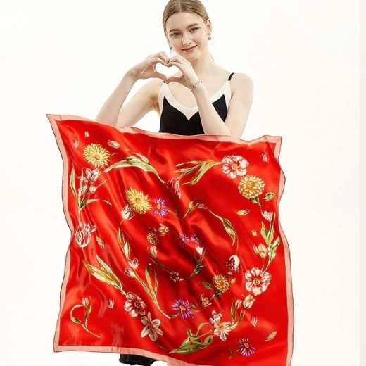 Vysoko kvalitná hodvábna šatka s kvetmi v tvare srdca - červená