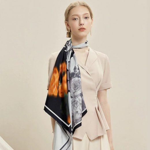 Vysoko kvalitná hodvábna šatka s prepracovaným motívom Paríz