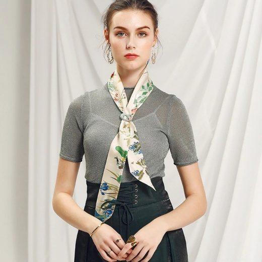 Malý šál zo 100% hodvábu s luxusným vzorom FLOWERS - formát 116x6 cm