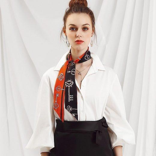 Malý šál zo 100% hodvábu s luxusným vzorom KEYS - formát 116x6 cm