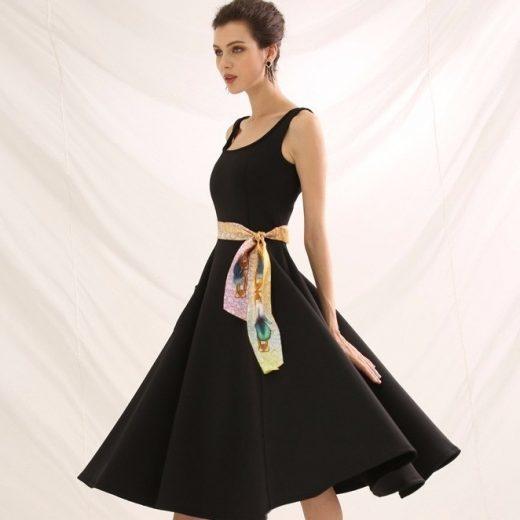 Malý šál zo 100% hodvábu s luxusným vzorom SOFIA - rozmer 152x5 cm