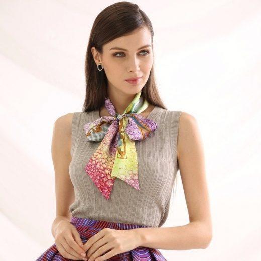 Malý šál zo 100% hodvábu s luxusným vzorom VICENZA - rozmer 152x5 cm